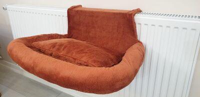 Miapet - Miapet Kalorifer Üstü Askılı Lüks Yastıklı Kedi Yatağı 47x35 cm Kiremit