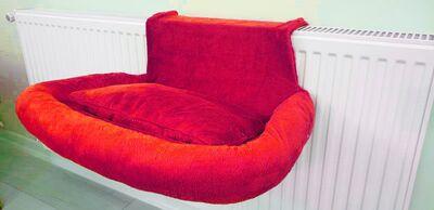 Miapet - Miapet Kalorifer Üstü Askılı Lüks Yastıklı Kedi Yatağı 47x35 cm Kırmızı