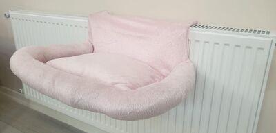 Miapet - Miapet Kalorifer Üstü Askılı Lüks Yastıklı Kedi Yatağı 47x35 cm Toz Pembe